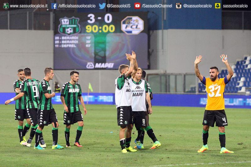 L'esultanza di Magnanelli e compagni al termine del match (foto: sassuolocalcio.it)