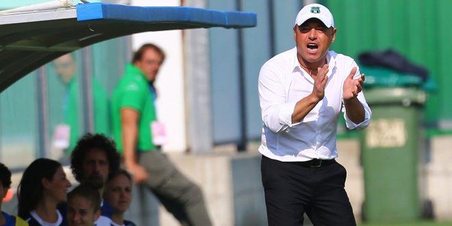 Gianpiero Piovani riceve la Panchina d'Oro per il calcio Femminile