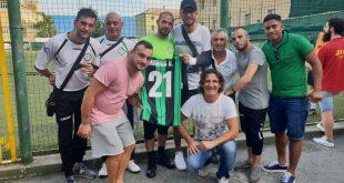 Il Sassuolo dona un kit di maglie e palloni in memoria di un giovane calciatore vittima di ponte Morandi